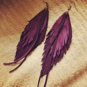 Aesthete.1you Jewelry - Genuine leather feather earrings. Handmade.